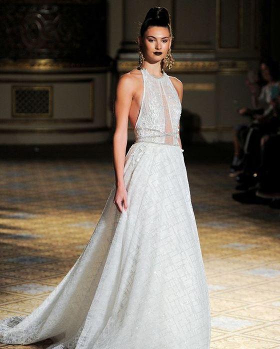 Греческие свадебные платья 2017-2018: полупрозрачный лиф и вышивка бусинами