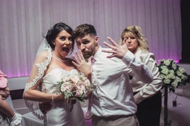 Британка вышла замуж в дешёвом платье на полу TK MAXX