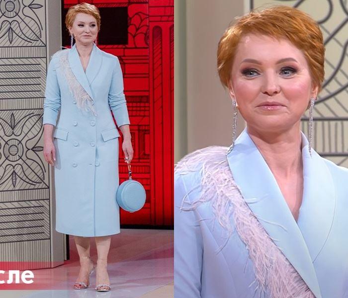«Модный приговор», Елена (48 лет) - Вечернее голубое платье-пальто