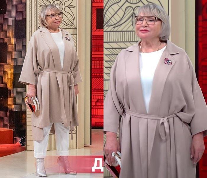 Модный приговор - Надежда, 72 года - Белый брючный комплект и бежевое пальто-кардиган