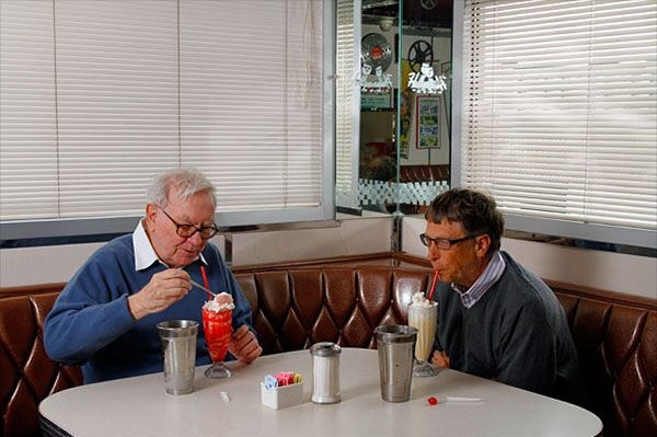 Боюсь дорогих магазинов и роскоши - Уоррен Бассет и Билл Гейтс в McDonalds