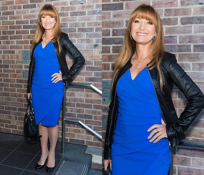 Стиль Джейн Сеймур в кожаных куртках - Голубое платье с гладкой курткой