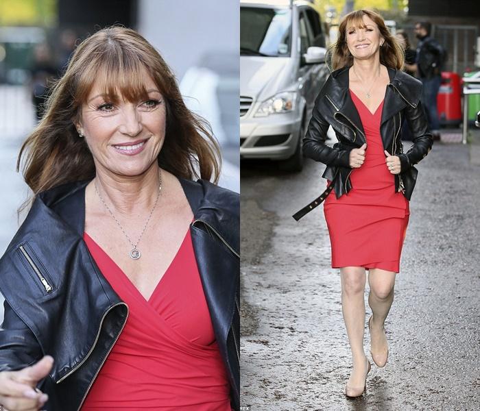 Стиль Джейн Сеймур в кожаных куртках - Красное платье с курткой с широким воротником