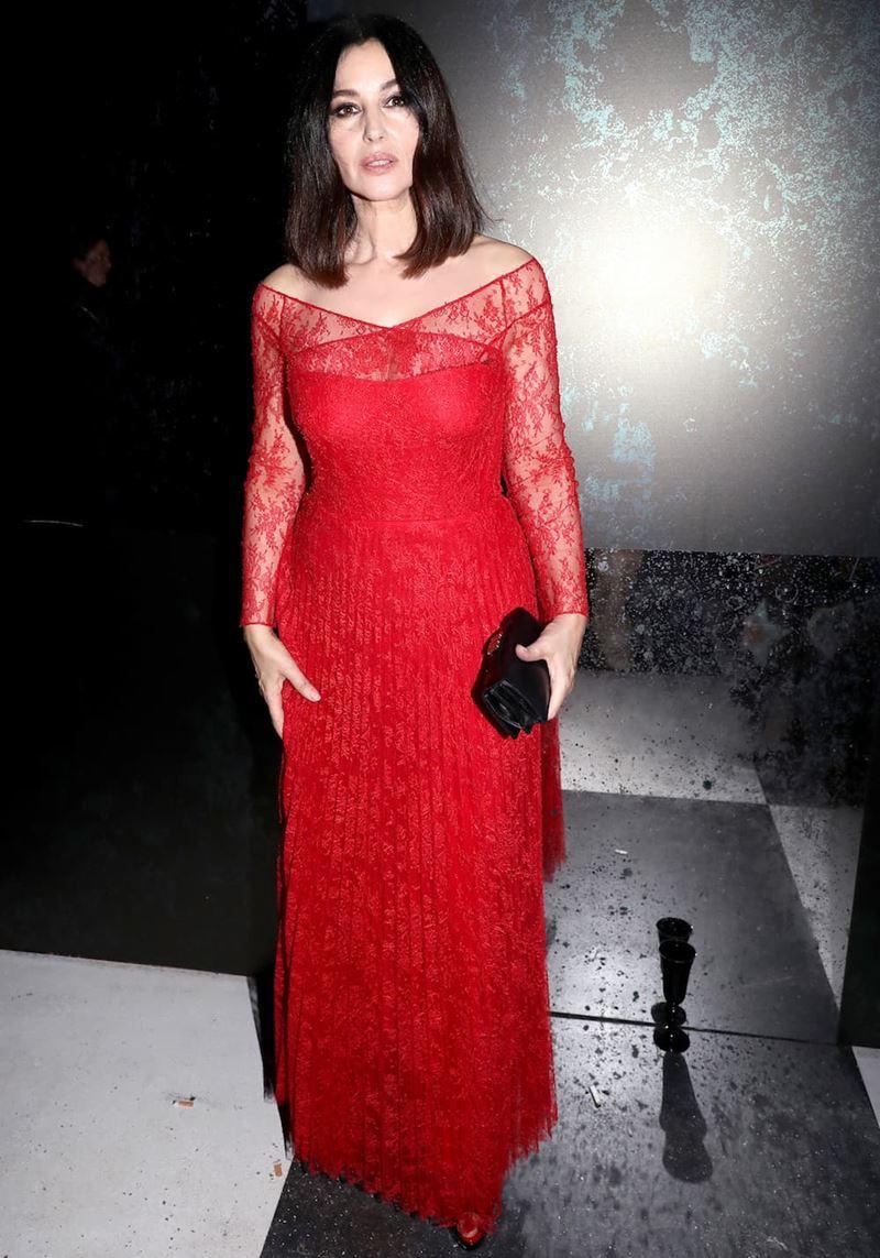 Красные вечерние платья Моники Беллуччи - Кружевное платье с плиссированной юбкой