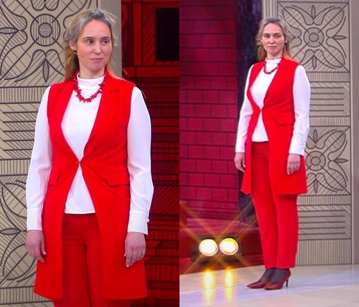 «Модный приговор» - молодая, но седая - Красный брючный костюм с белой водолазкой