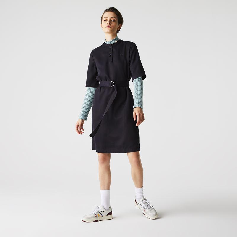 Платья с кроссовками Lacoste 2021-2022 - Чёрное платье с поясом на зелёный топ в клетку
