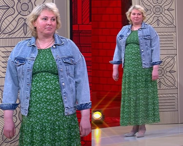 Элегантный стиль для полной блондинки - Зелёное цветочное платье с джинсовой курткой