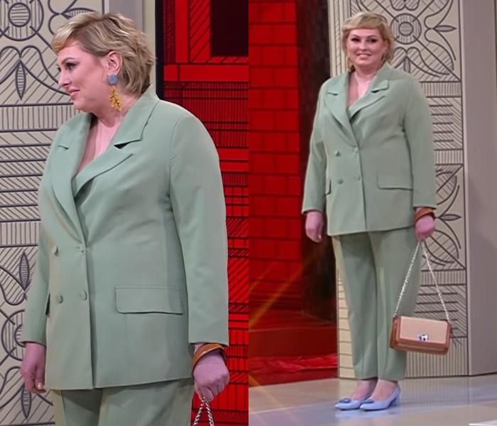 Элегантный стиль для полной блондинки - Светло-зелёный брючный костюм
