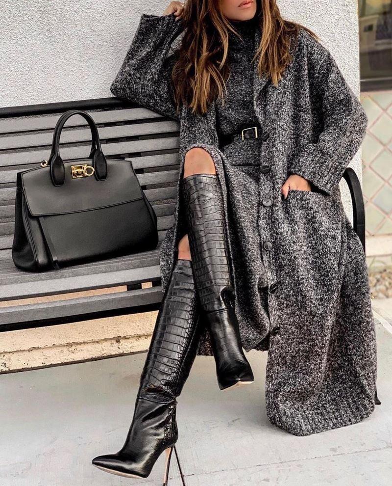 Модные образы в оттенках серого - Трикотажное пальто + вязаное платье + крокодиловые сапоги