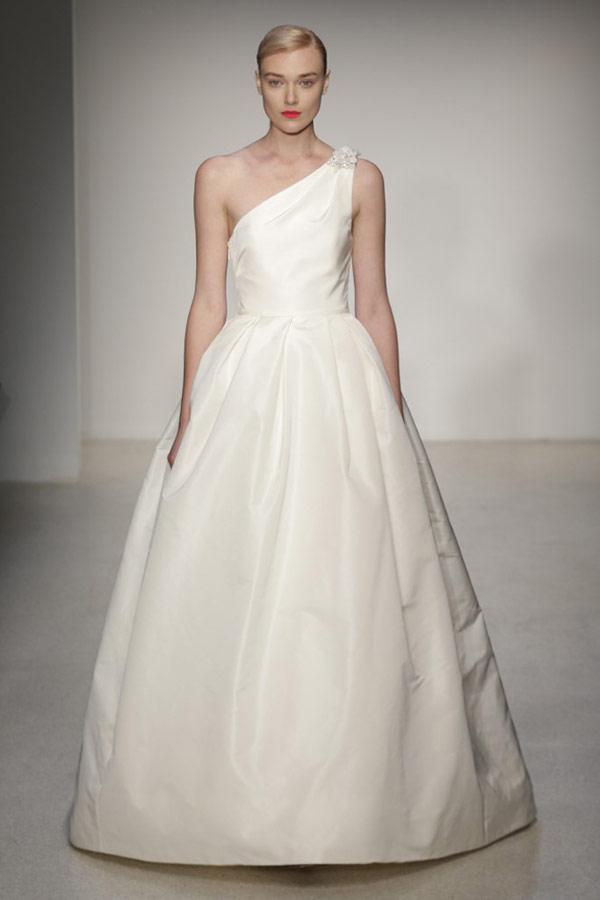 свадебные платья с одним плечом 2013  amsale