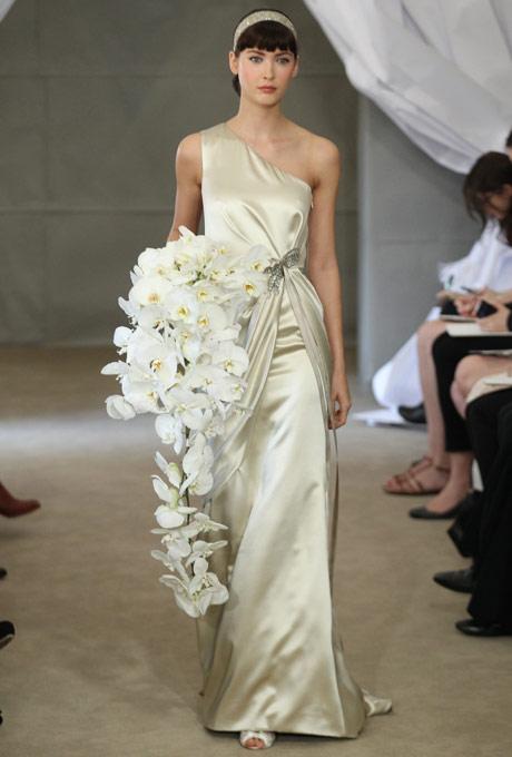 свадебные платья с одним плечом 2013  carolina herrera