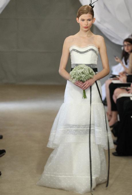 свадебные платья бюстье 2013 carolina herrera