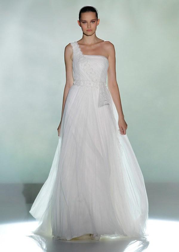 свадебные платья с одним плечом 2013  rosa clara