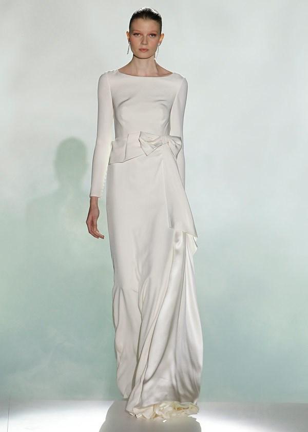 Минималистичное свадебное платье с длинным рукавом Rosa Clara