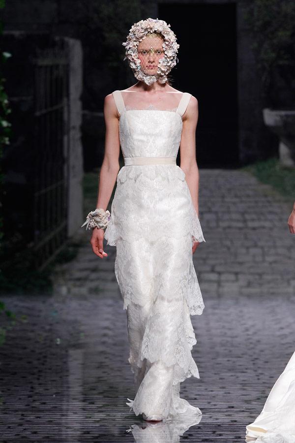 кружевное свадебное платье ярусами Victorio Lucchino 2013