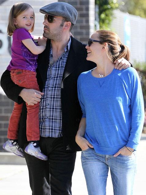 дженнифер гарнер с беном афлеком и дочерью