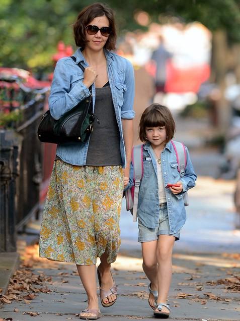 Мэгги Джилленхол с дочерью рамоной