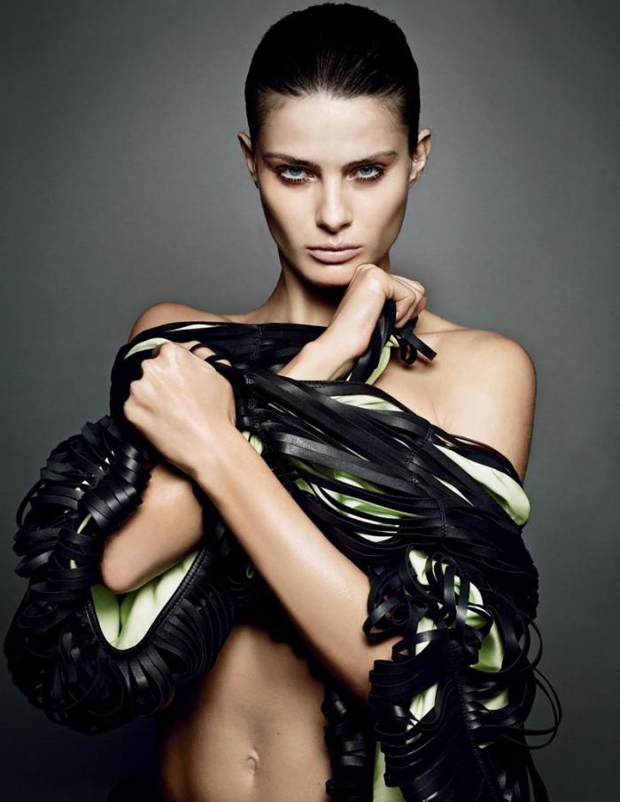 Бразильская топ-модель Изабели Фонтана снялась в фотосессии для русского издания Vogue (август 2014).