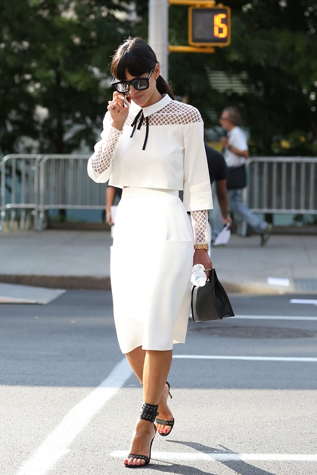 белая блузка с юбкой, уличная мода Нью-Йорка 2014-2015