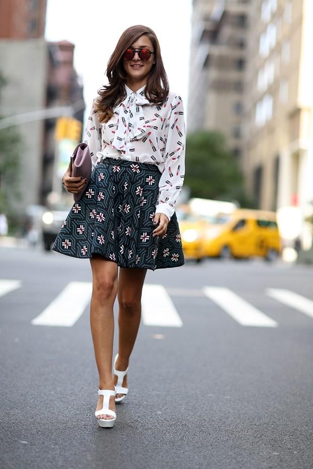 блузка с принтом с юбкой колокол, уличная мода Нью-Йорка 2014-2015