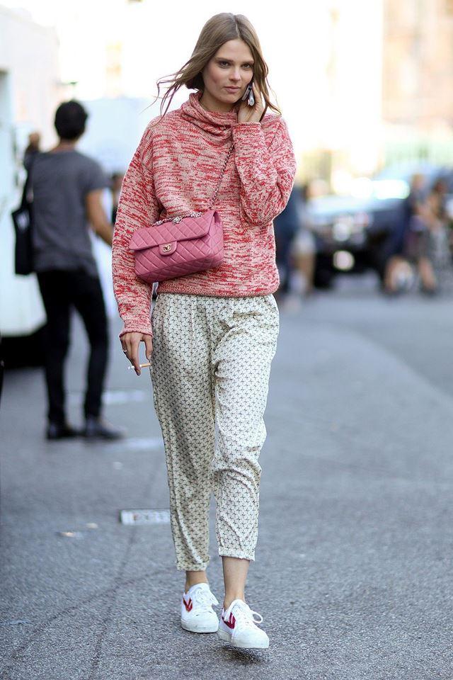 пижамные брюки с трикотажным свитером, уличная мода Нью-Йорка 2014-2015
