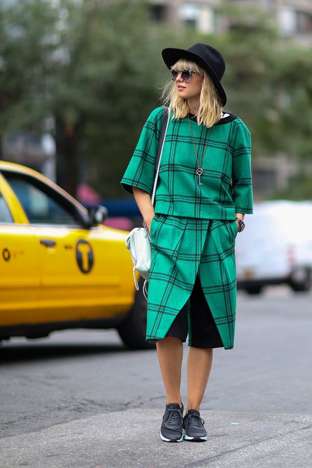 клетчатый зеленый костюм, уличная мода Нью-Йорка 2014-2015