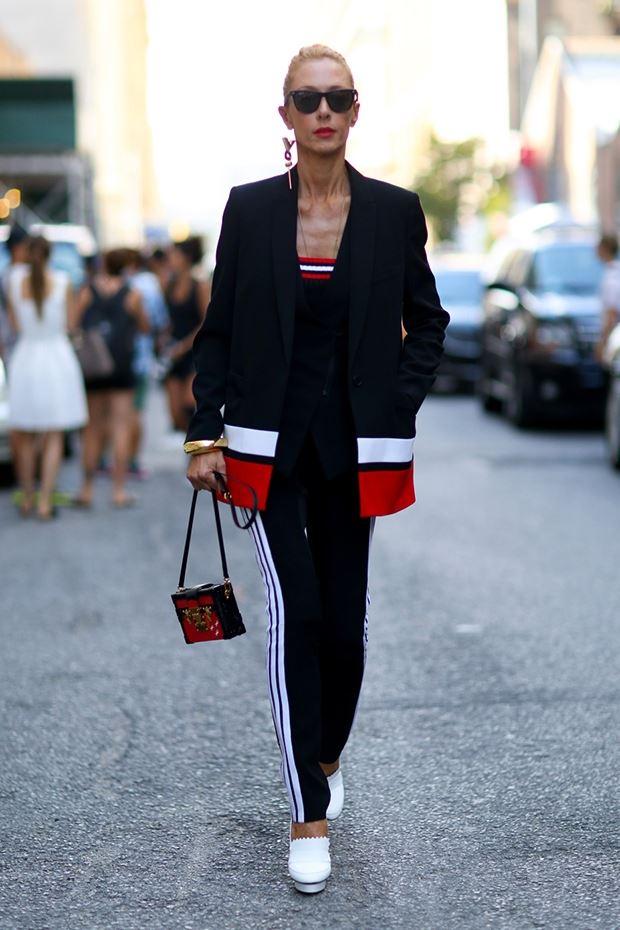 черный длинный пиджак, уличная мода Нью-Йорка 2014-2015