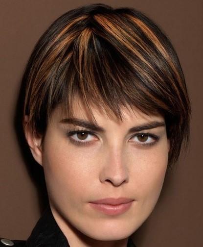 короткие стрижки для полного лица и пухлых щек (5)