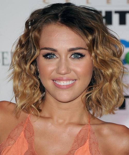 стрижка каре боб на средние волосы для полного лица с пухлыми щеками (15)