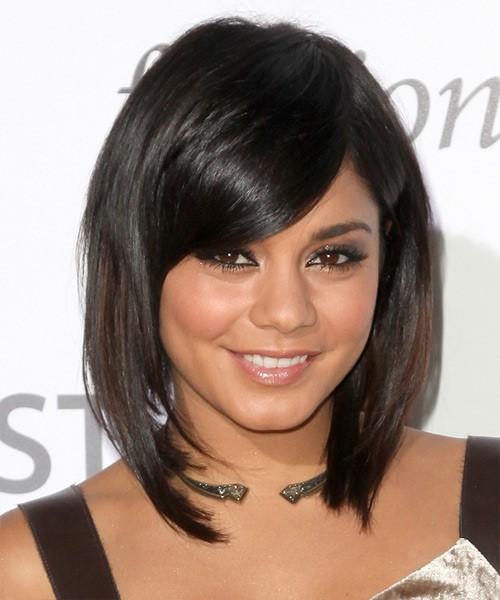 стрижка каре боб на средние волосы для полного лица с пухлыми щеками (19)