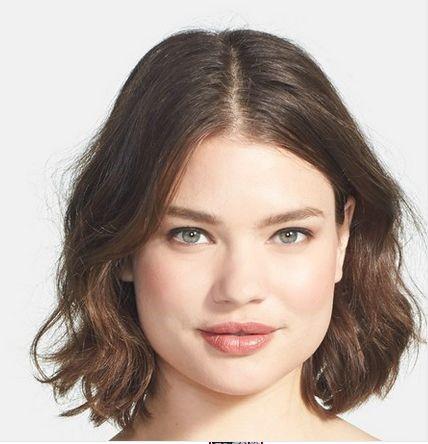 стрижка каре боб на средние волосы для полного лица с пухлыми щеками (7)