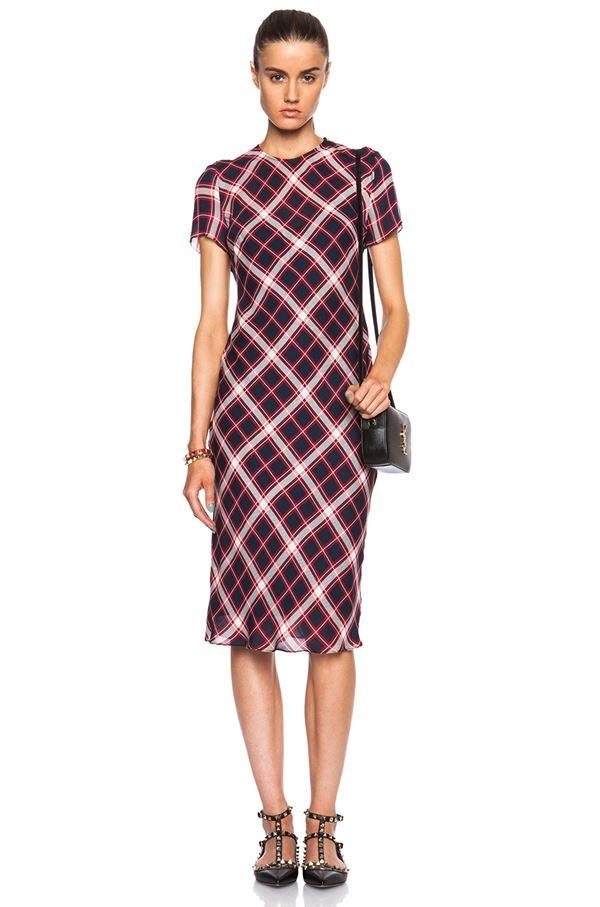 элегантное платье в диагональную клетку 2015