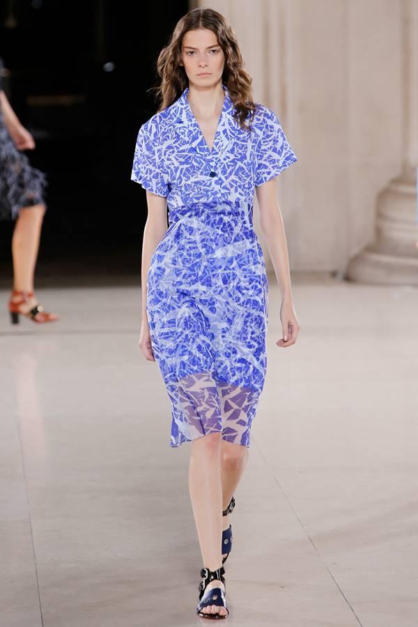 сиреневое платье весна-лето 2015 Jonathan Saunders