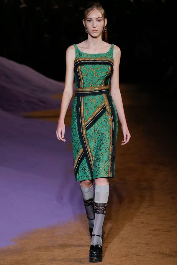 зеленое платье весна-лето 2015 Prada