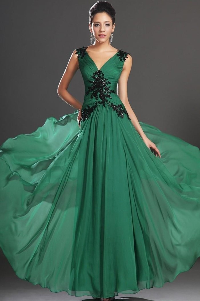 длинное темно- зеленое платья на выпускной 2015