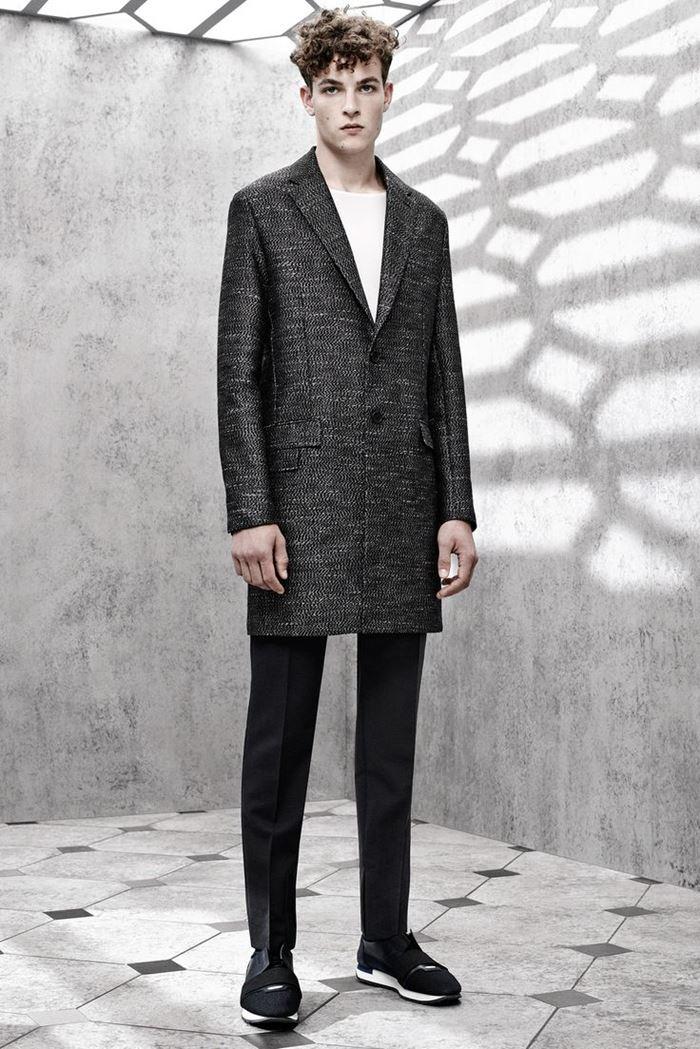 Balenciaga классическое однобортное мужское пальто весна-лето 2015