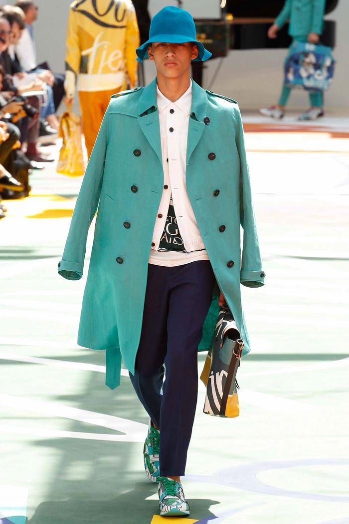 Burberry Prorsum длинное бирюзовое мужское пальто тренч весна-лето 2015