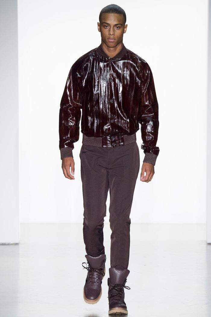Calvin Klein Collection лаковая мужская кожаная куртка весна-лето 2015
