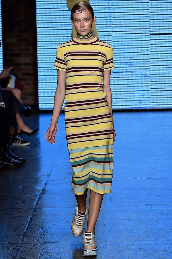 DKNY желтое платье весна-лето 2015