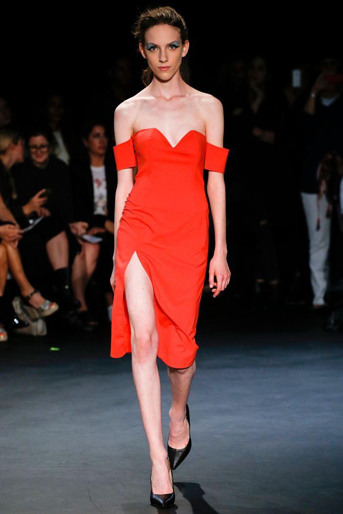 Emilio de la Morena  красное платье весна-лето 2015