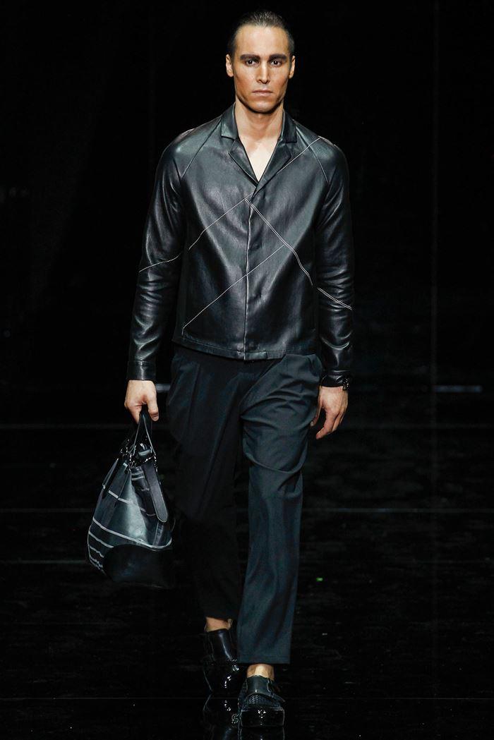 Emporio Armani  мужская кожаная куртка весна-лето 2015