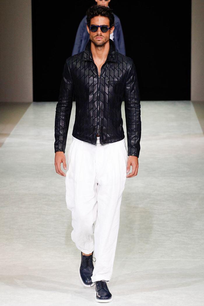 Giorgio Armani черная мужская кожаная куртка весна-лето 2015