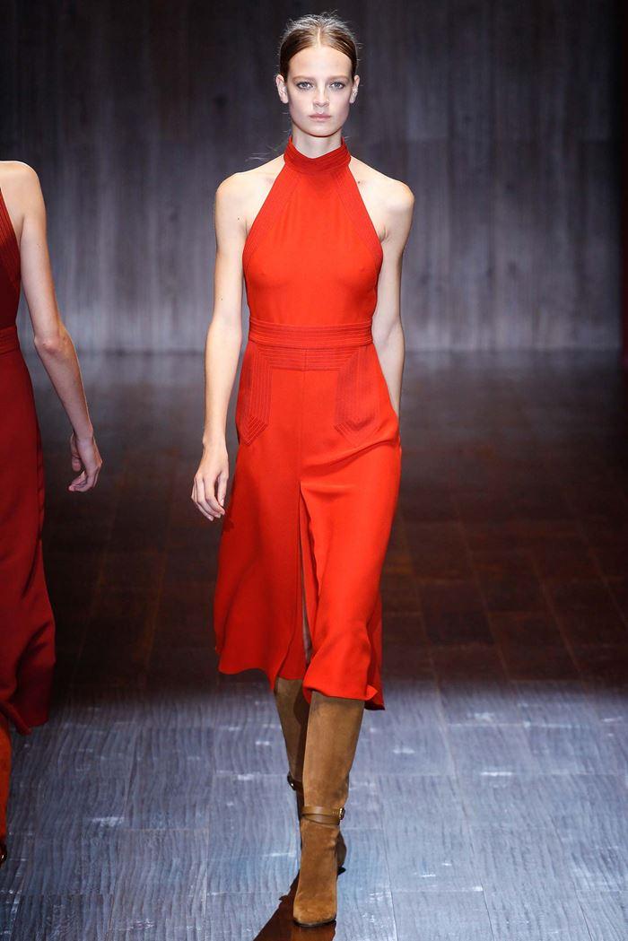 Gucci  красное платье миди весна-лето 2015