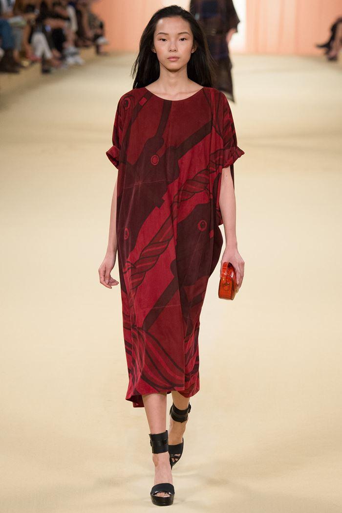 Hermès широкое красное платье миди весна-лето 2015