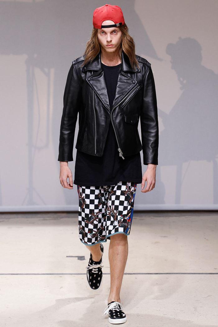 Julien David черная мужская кожаная куртка косуха весна-лето 2015