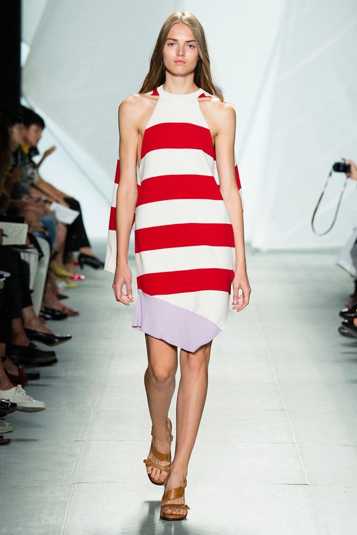 Lacoste красно-белое полосатое платье весна-лето 2015