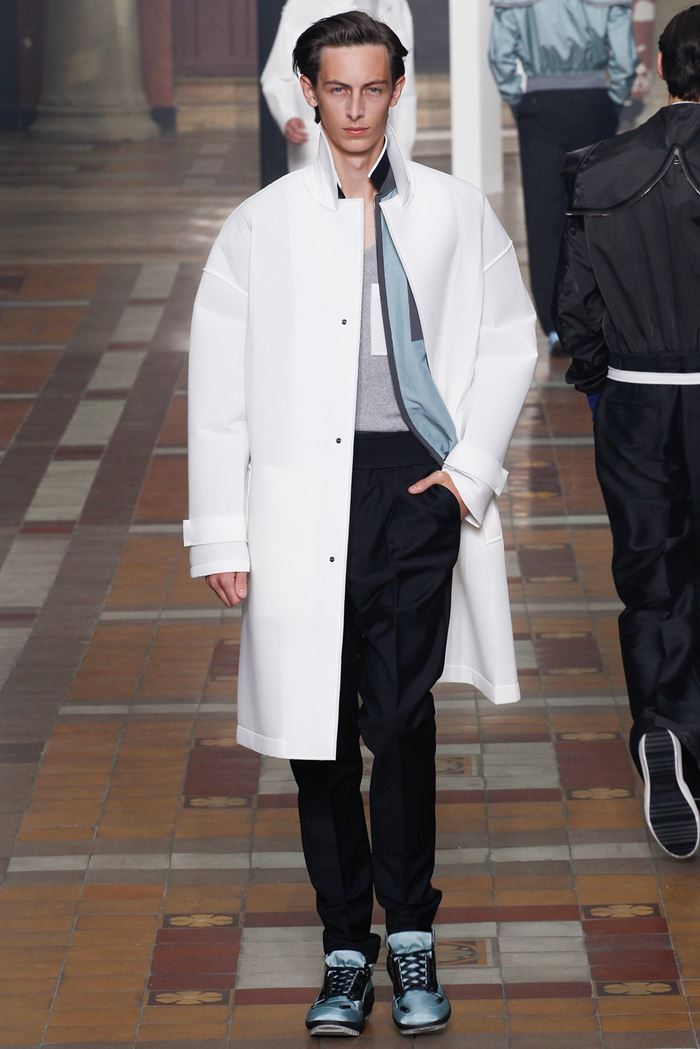 Lanvin белое мужское пальто весна-лето 2015