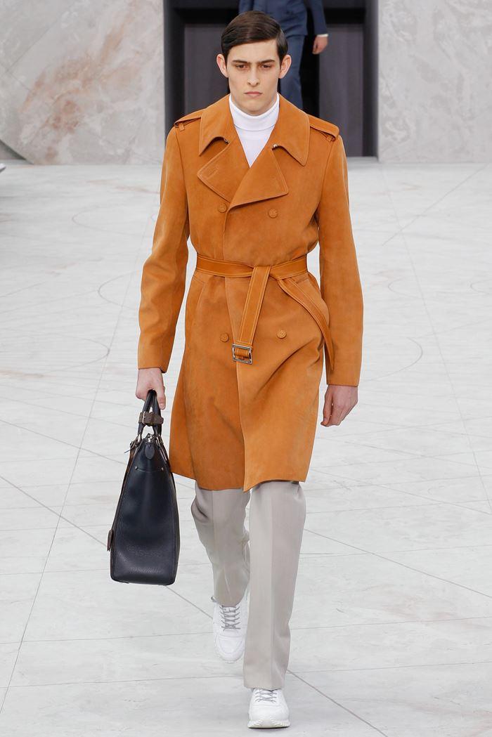Louis Vuitton рыжее мужское пальто весна-лето 2015