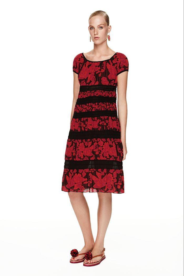 M Missoni красно-черное платье весна-лето 2015