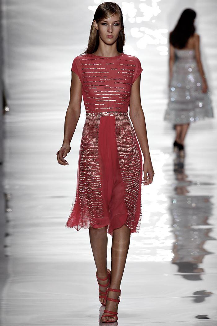 Reem Acra красное платье весна-лето 2015
